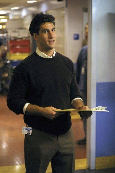 Dr. Myers (Michael B. Silver) ist sehr um das Wohl seiner Patienten besorgt ... - Bildquelle: TM+  2000 WARNER BROS.