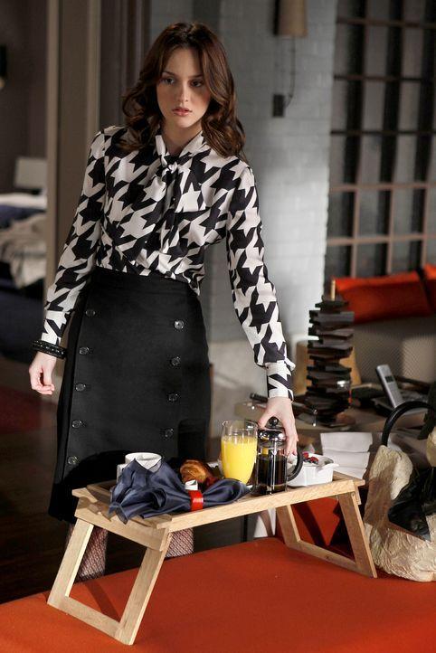 """""""Guten Morgen, ich hab dir Frühstück -oh, du bist auf"""", überrascht Blair (Leighton Meester) ihren Freund. - Bildquelle: Warner Brothers"""
