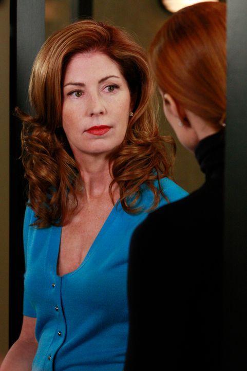 Planen das Catering für Lee und Bobs Zeremonie auf dem Schießstand: Bree (Marcia Cross, r.) und Katherine (Dana Delany, l.) ... - Bildquelle: ABC Studios