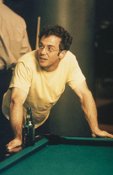 Steve (David Eigenberg) möchte nach seiner erfolgreichen Hodenkrebs-Operation aus ästhetischen Gründen eine Prothese implantieren lassen. - Bildquelle: Paramount Pictures