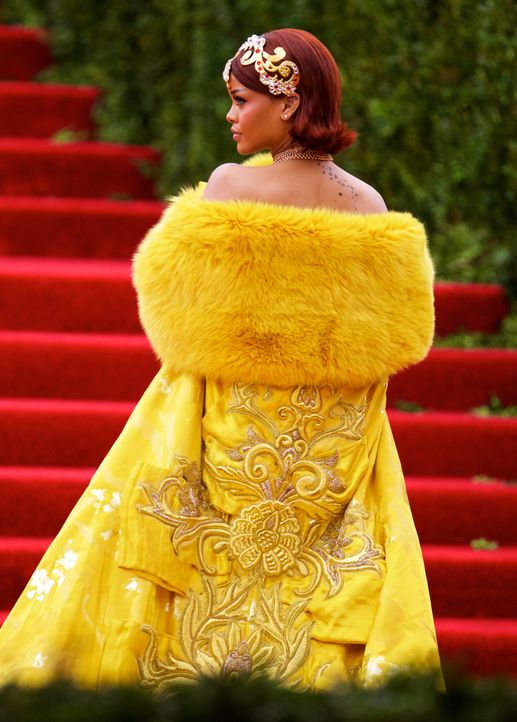 Met Gala 2015: Rihanna - Bildquelle: Alberto Reyes/WENN.com