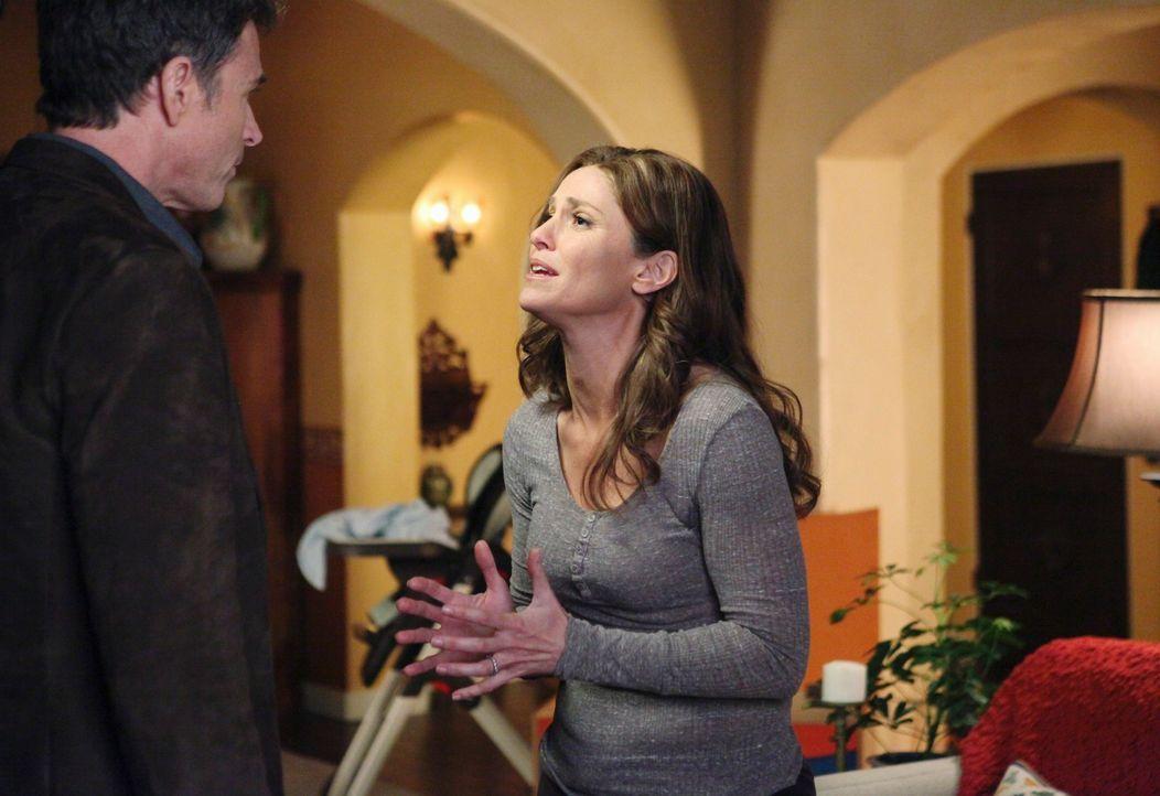 Während Addison einen neuen Verehrer hat, geraten Pete (Tim Daly, l.) und Violet (Amy Brenneman, r.) aneinander. Wird ihre Beziehung daran scheitern? - Bildquelle: ABC Studios