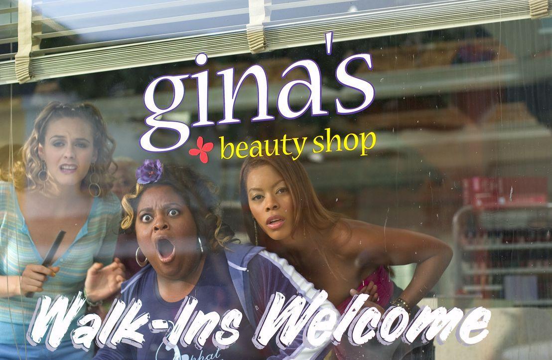Lynn (Alicia Silverstone, l.), Ida (Sherri Shepherd, M.) und Chanel (Golden Brooks, r.) können nicht fassen, was sich auf der anderen Straßenseite... - Bildquelle: 2005 METRO-GOLDWYN-MAYER PICTURES INC. ALL RIGHTS RESERVED.