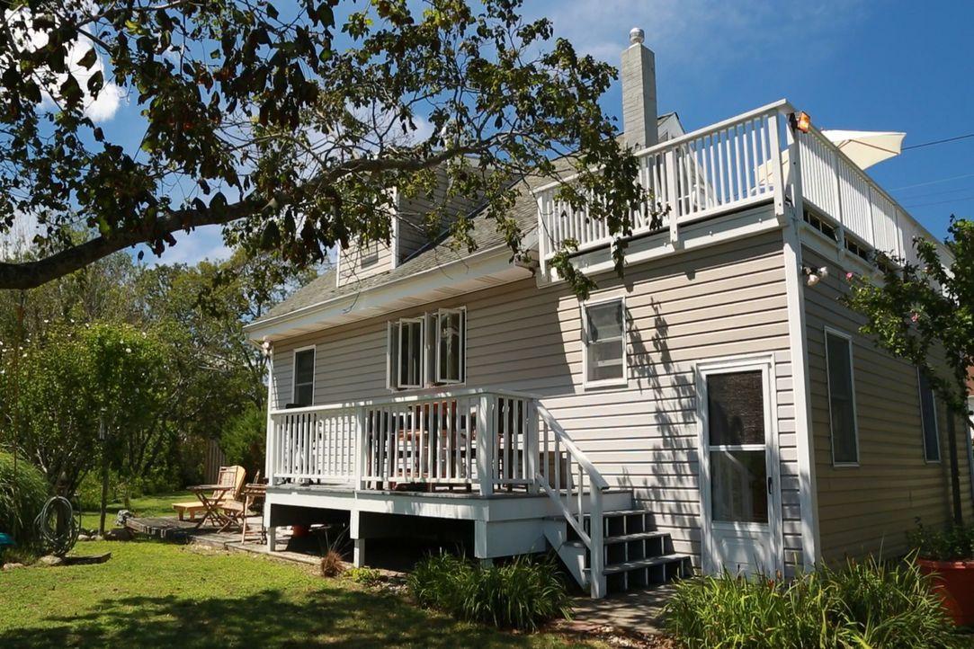 Jodi und Alan träumen von einem Beachhaus in den Hamptons, das als Entspannungsort für Familientrips dienen soll. Werden die beiden am Promistrand f... - Bildquelle: 2013,HGTV/Scripps Networks, LLC. All Rights Reserved