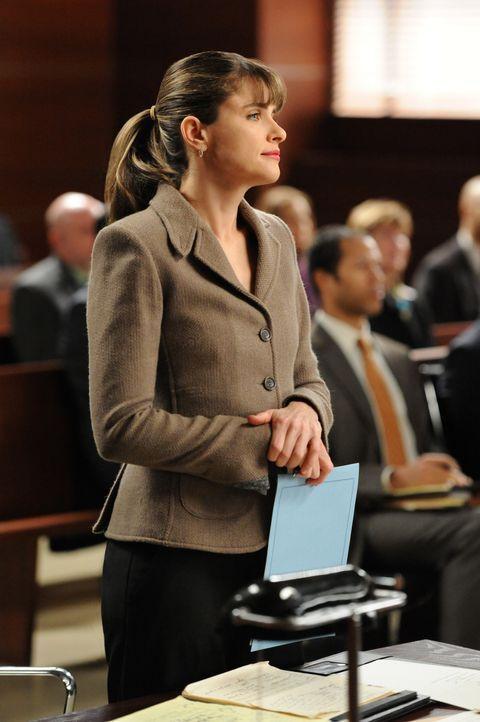 Als Staatsanwältin macht Laura Hellinger (Amanda Peet) einen guten Job, sehr zum Leidwesen von Alicia ... - Bildquelle: David M. Russell 2013 CBS Broadcasting, Inc. All Rights Reserved