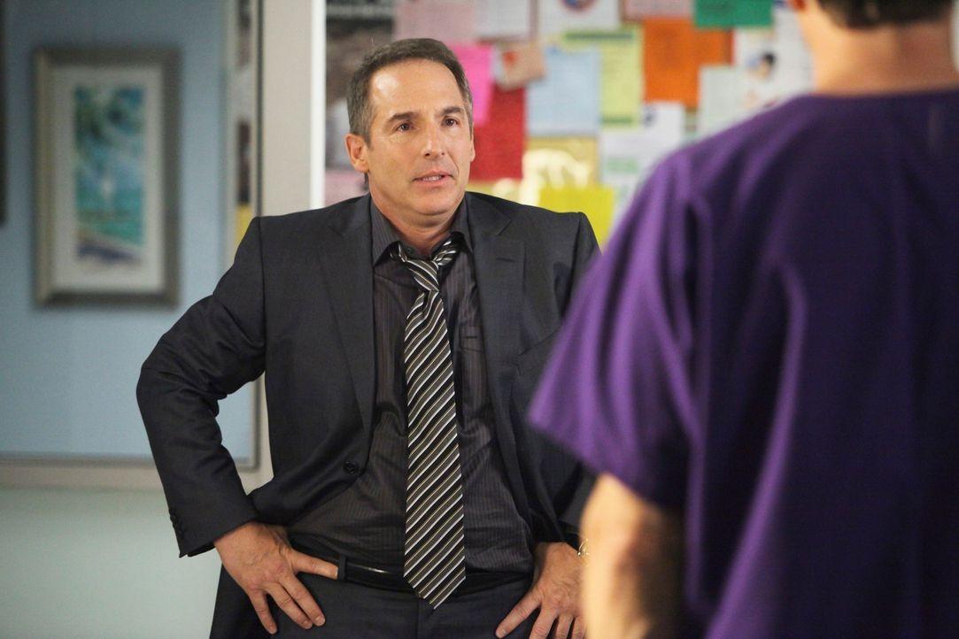 Die möglichen Väter von Violets Baby Pete (Tim Daly, r.) und Sheldon (Brian Benben, l.) geraten in der Sorge um sie, aneinander .... - Bildquelle: ABC Studios