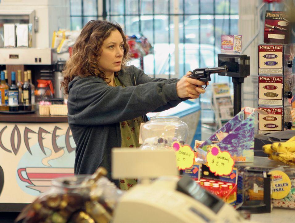 Sam hat den angeschossenen Patienten gut versorgen können. Plötzlich stellt sich heraus, dass Kelly (Sara Gilbert), die Frau mit der Waffe, schwan... - Bildquelle: 2007 American Broadcasting Companies, Inc. All rights reserved.