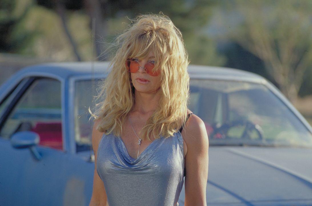Einst war Suzette (Goldie Hawn) ein Groupie. Nun ist sie Anfang 50, pleite und ihren Job als Barkeeperin los. So beschließt sie, zu ihrer ehemals be... - Bildquelle: 2002 Twentieth Century Fox Film Corporation. All rights reserved.