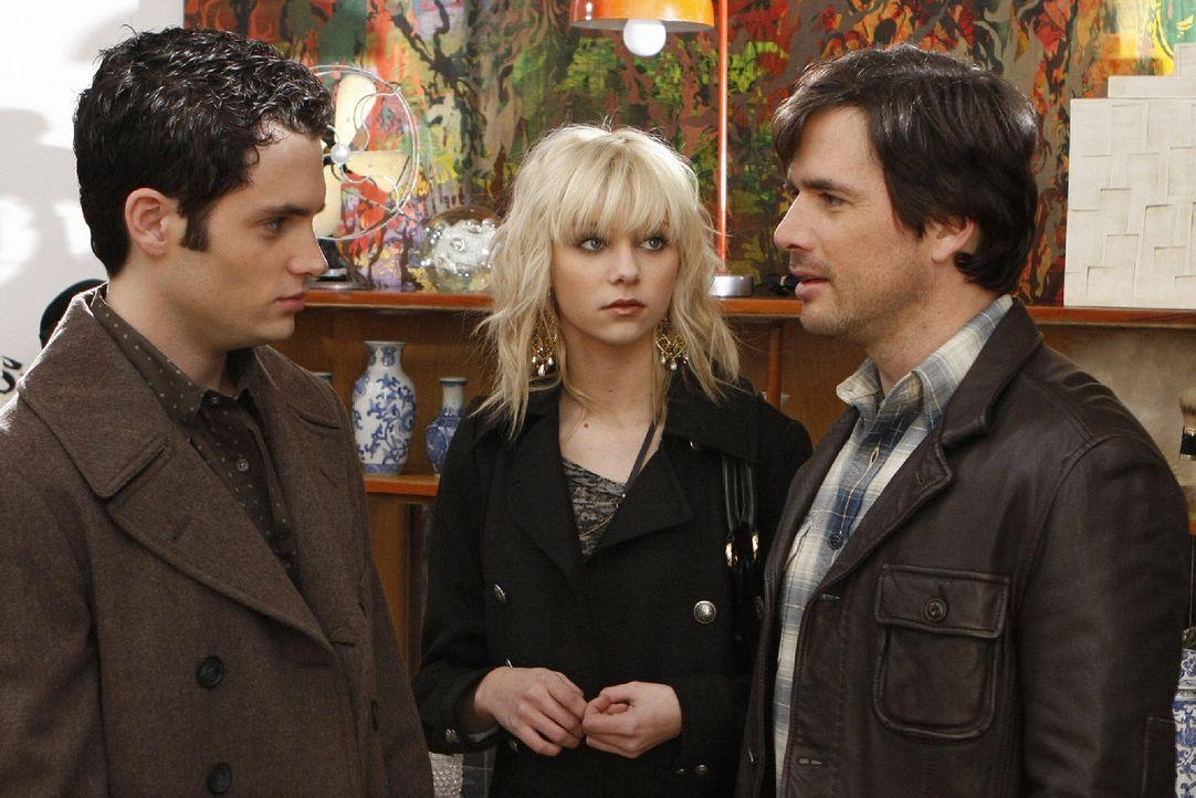 Rufus (Matthew Settle, r.) versichert seinen Kindern Dan (Penn Badgley, l.) und Jenny (Taylor Momsen, M.), dass seine finanziellen Sorgen bald der V... - Bildquelle: Warner Brothers