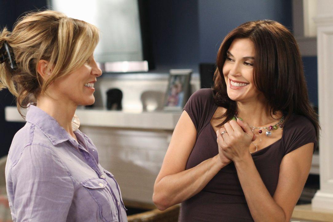 Erleben einige Überraschungen: Lynette (Felicity Huffman, l.) und Susan (Teri Hatcher, r.) ... - Bildquelle: ABC Studios