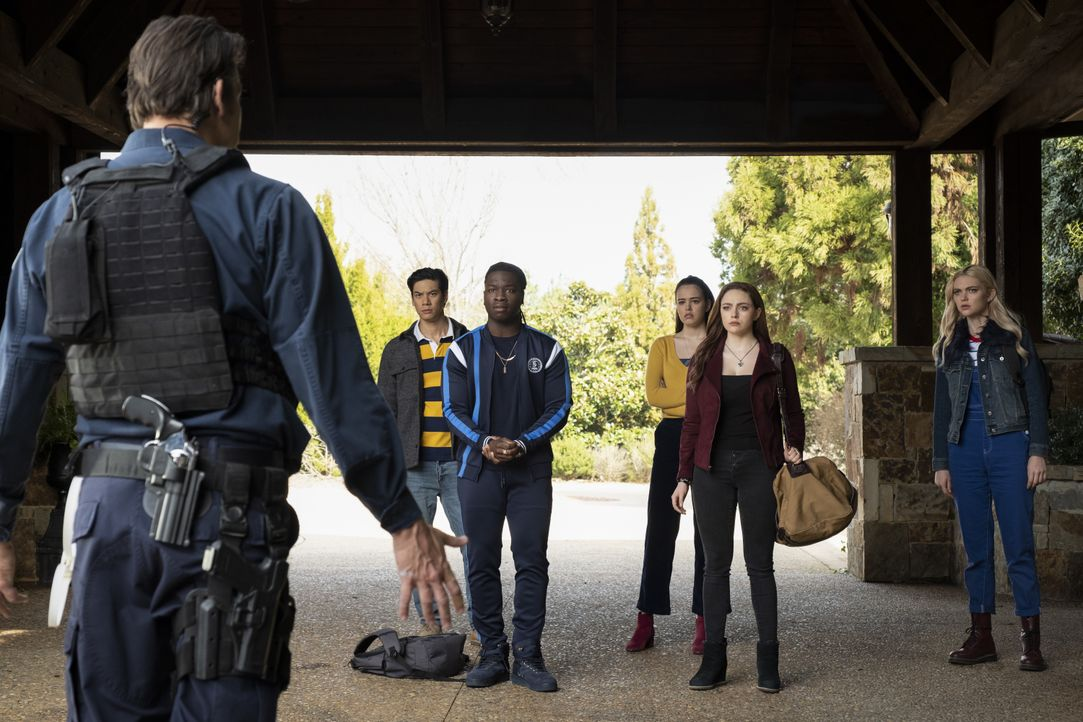 (v.l.n.r.) Burr (Rod Rowland); Jed (Ben Levin); Kaleb (Chris Lee); Josie Saltzman (Kaylee Bryant); Hope Mikaelson (Danielle Rose Russell); Lizzie Sa... - Bildquelle: Mark Hill 2019 The CW Network, LLC. All rights reserved. / Mark Hill
