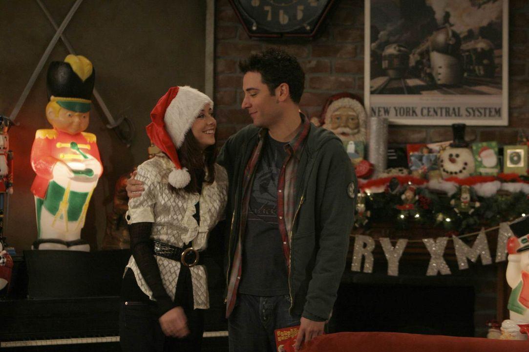 Ende gut - Weihnachten gut: Lily (Alyson Hannigan, l.) und Ted (Josh Radnor, r.) ... - Bildquelle: 20th Century Fox International Television