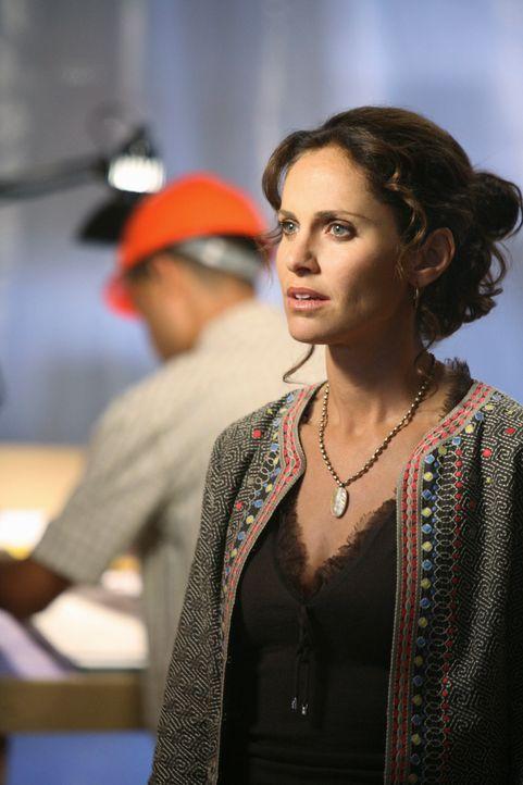 Violet (Amy Brenneman) gerät in einen Loyalitätskonflikt, als sie entdeckt, dass Charlotte geheime Geschäftspläne verfolgt ... - Bildquelle: ABC Studios