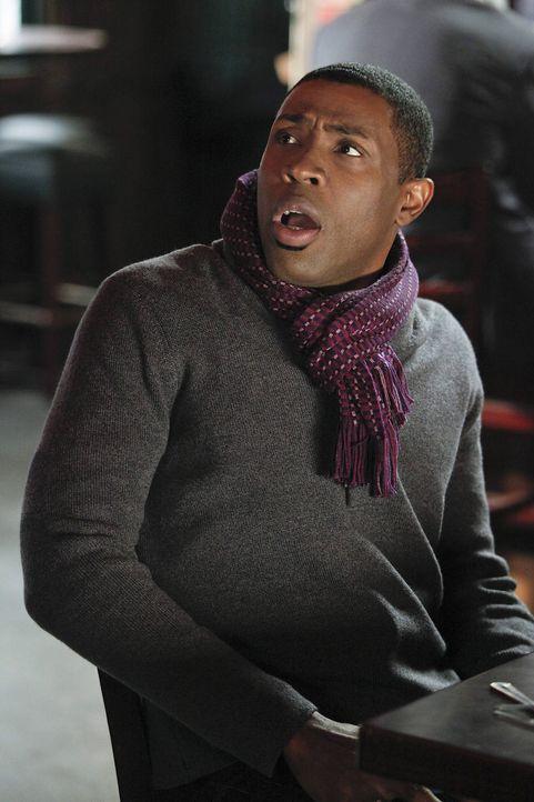 Über Didis Aufzug ist Lavon (Cress Williams) etwas überrascht ... - Bildquelle: Warner Bros.