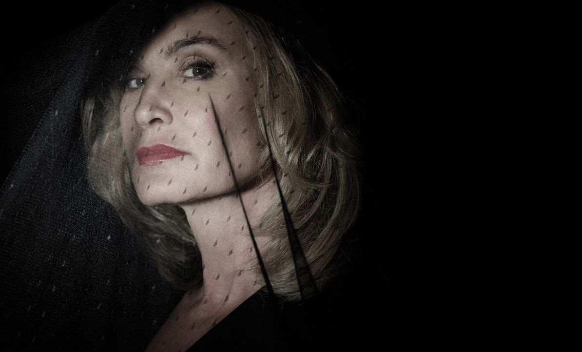(3. Staffel) - Für ihren unstillbaren Durst nach Macht geht die Hexe Fiona Goode (Jessica Lange) über Leichen ... - Bildquelle: 2013-2014 Fox and its related entities. All rights reserved.