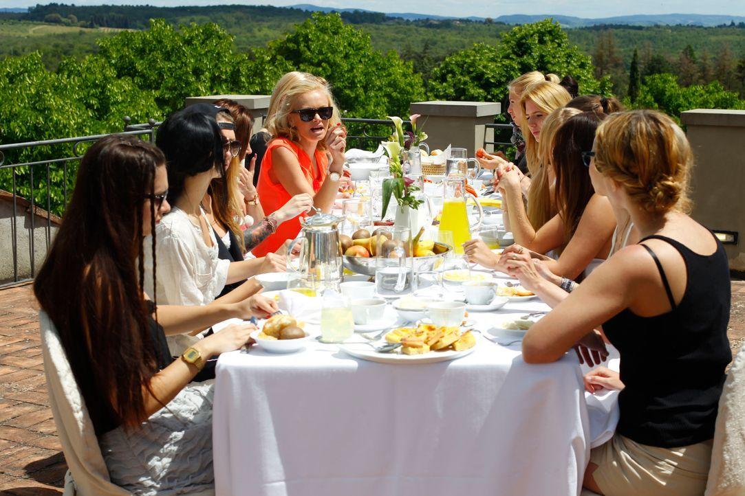 Catch the Millionaire: Ladies beim Frühstück