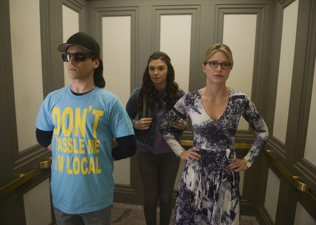 (v.l.n.r.) Querl Dox (Jesse Rath); Nia Nal (Nicole Maines); Kara (Melissa Benoist) - Bildquelle: Sergei Bachlakov 2018 The CW Network, LLC. All Rights Reserved.