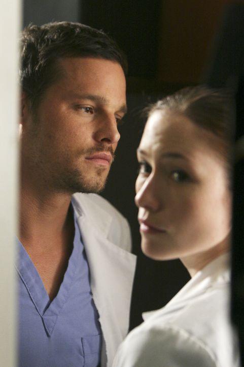 Was ist mit Alex (Justin Chambers, l.) und Lexie (Chyler Leigh, r.) nur los? - Bildquelle: Touchstone Television