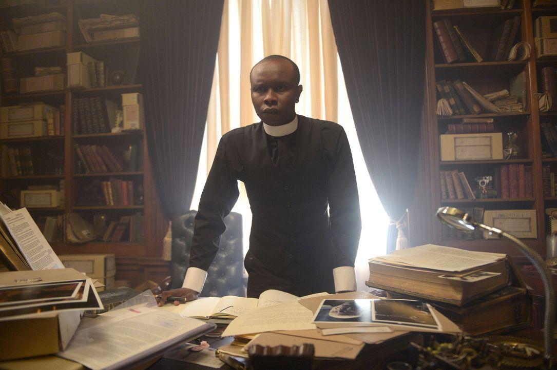 Noch immer setzt Pater Bennett (Kurt Egyiawan) große Hoffnungen in die katholische Glaubensgemeinschaft, doch er wird erneut enttäuscht und die Freu... - Bildquelle: 2017 Fox and its related entities.  All rights reserved.