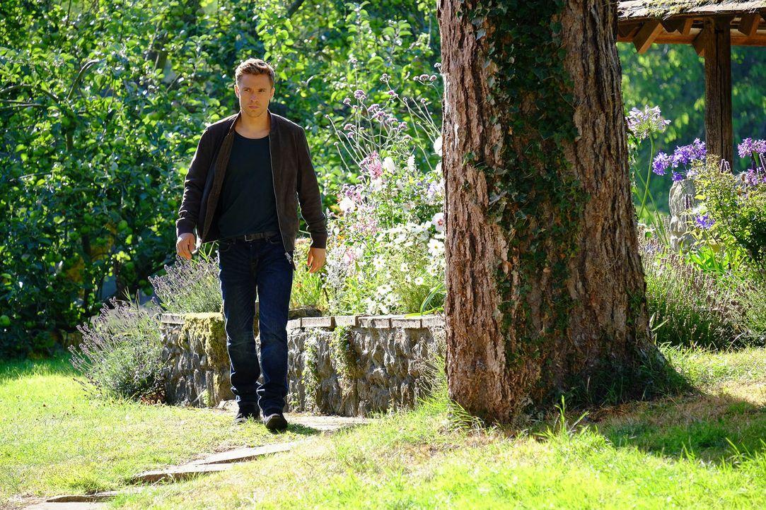"""Um herauszufinden, wer oder was hinter """"Domino"""" steht, lässt Liam (William Moseley) nichts unversucht ... - Bildquelle: 2015 E! Entertainment Media LLC/Lions Gate Television Inc."""