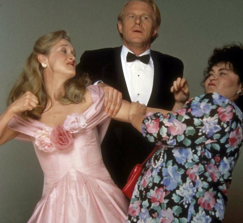 Ein Mann zwischen zwei Frauen: Bob (Ed Begley, Jr., M.) muss sich zwischen seiner dicklichen Frau (Roseanne Barr, r.) und der attraktiven Schriftste... - Bildquelle: 20th Century Fox
