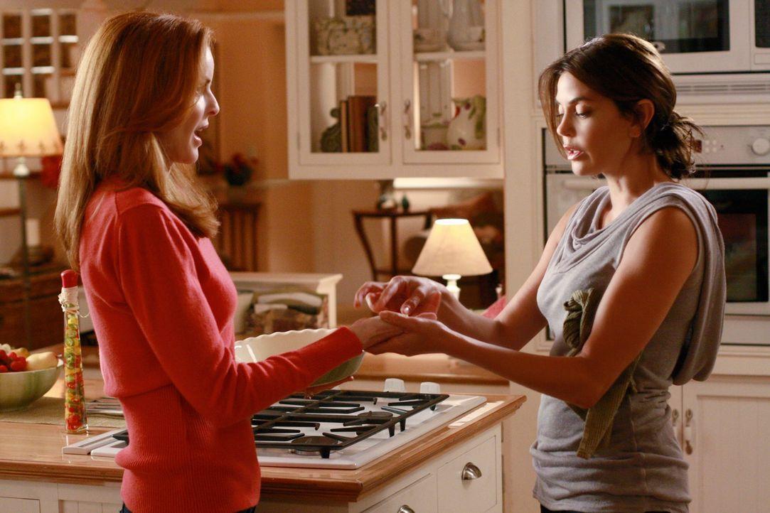 Die Dramen in der Wisteria Lane gehen weiter: Bree (Marcia Cross, l.) und Susan (Teri Hatcher, r.) ... - Bildquelle: ABC Studios