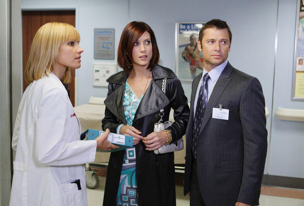 Addison (Kate Walsh, M.) kann es nicht fassen, dass ihr Bruder Archer (Grant Show, r.) eine Stelle als Neurologe bei Charlotte (KaDee Strickland, l.... - Bildquelle: ABC Studios