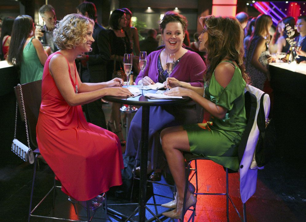 Ihre Freundschaft wird auf eine harte Probe gestellt: Samantha (Christina Applegate, l.), Andrea (Jennifer Esposito, r.) und Dena (Melissa McCarthy,... - Bildquelle: 2008 American Broadcasting Companies, Inc. All rights reserved.