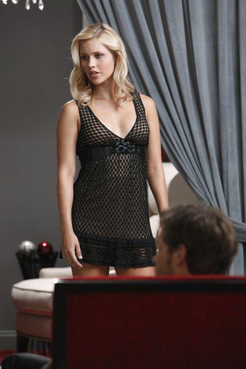 Auf wessen Seite steht Rebekah (Claire Holt) wirklich? - Bildquelle: 2011 THE CW NETWORK, LLC. ALL RIGHTS RESERVED.