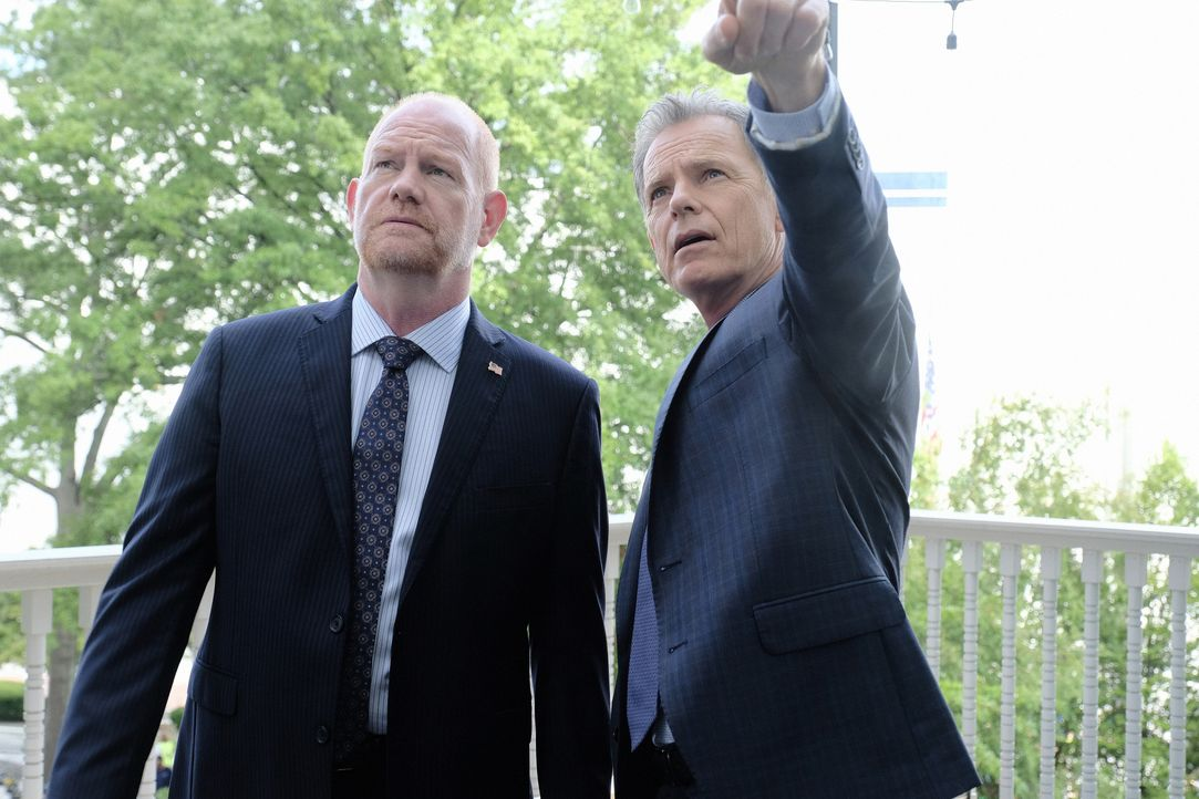 Marshall Winthrop (Glenn Morshower, l.); Dr. Randolph Bell (Bruce Greenwood, r.) - Bildquelle: Guy D'Alema 2018-2019 Twentieth Century Fox Film Corporation. All rights reserved. / Guy D'Alema