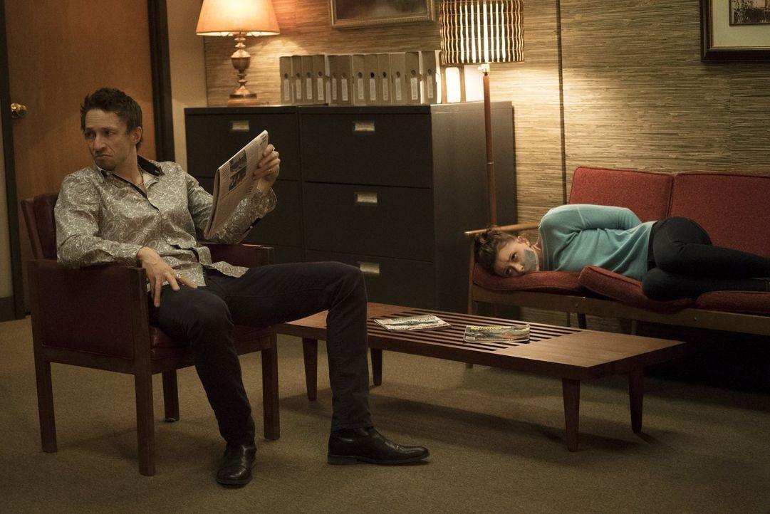 Als Kenny (Bradley Stryker, l.) Peyton (Aly Michalka, r.) kidnappt, müssen Ravi und Blaine zusammenarbeiten ... - Bildquelle: 2014 Warner Brothers