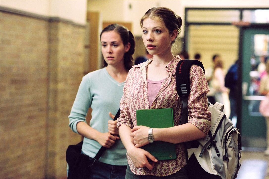 Casey (Michelle Trachtenberg, r.) will Eistänzerin werden. Ihre Mutter hat jedoch schon andere Pläne mit ihr. Nach einem soliden Studium in Harvar... - Bildquelle: 2005 Disney Enterprises, Inc.