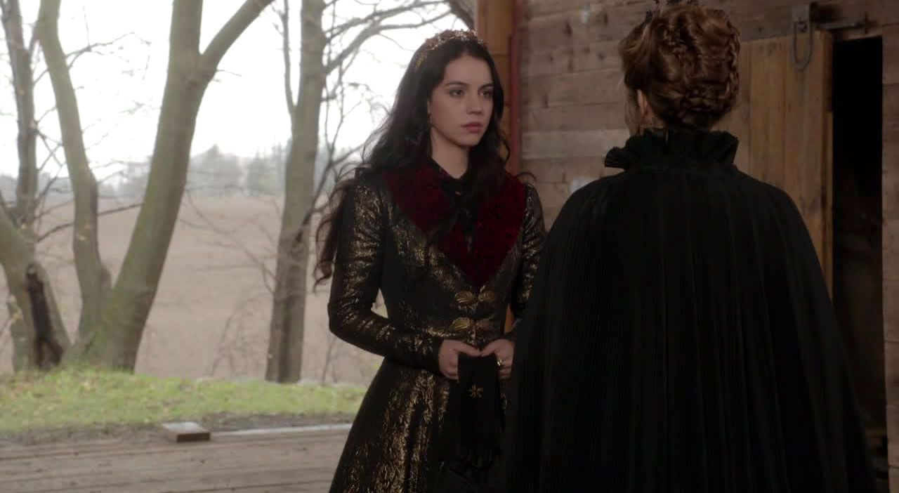 Mary und Catherine im Stall - Bildquelle: 2014 The CW Network. All Rights Reserved.
