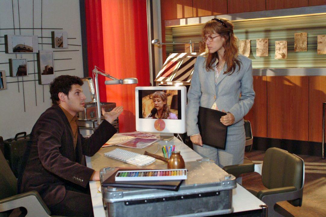 Als Lisa (Alexandra Neldel, r.) das TV-Porträt absagen will, wirft Rokko (Manuel Cortez, l.) ihr vor, sie habe lediglich Angst, ihm die Kontrolle  - Bildquelle: Monika Schürle Sat.1