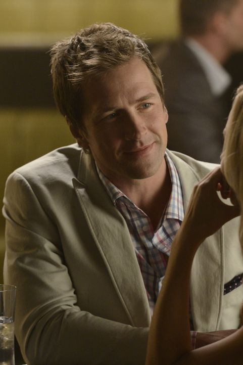 Für Philip (Paul Greene) ist das Leben, das er mit Elena führt, perfekt, aber eigentlich kennt er nur eine Seite seiner hübschen Freundin ... - Bildquelle: 2014 She-Wolf Season 1 Productions Inc.