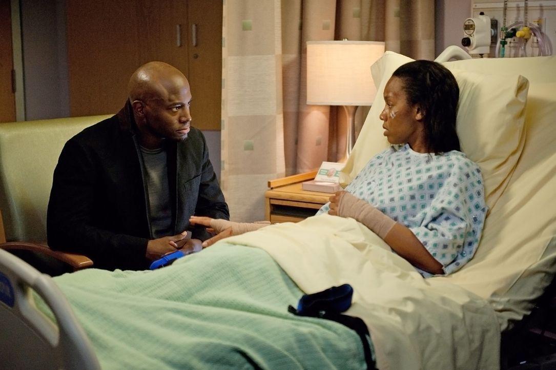Sam (Taye Diggs, l.) besteht darauf, seine Schwester Corinne (Anika Noni Rose, r.) aus dem Krankenhaus zu entlassen, damit er sich daheim um sie küm... - Bildquelle: ABC Studios