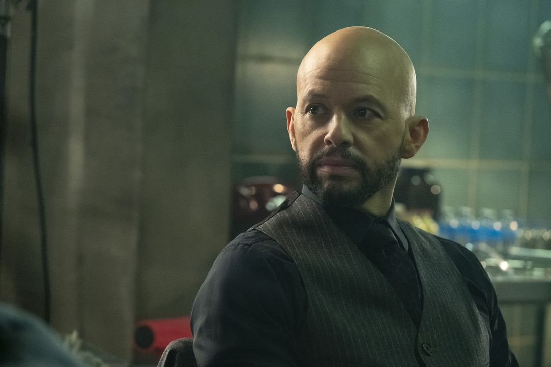 Lex Luther (Jon Cryer) - Bildquelle: Katie Yu 2018 The CW Network, LLC. All Rights Reserved.