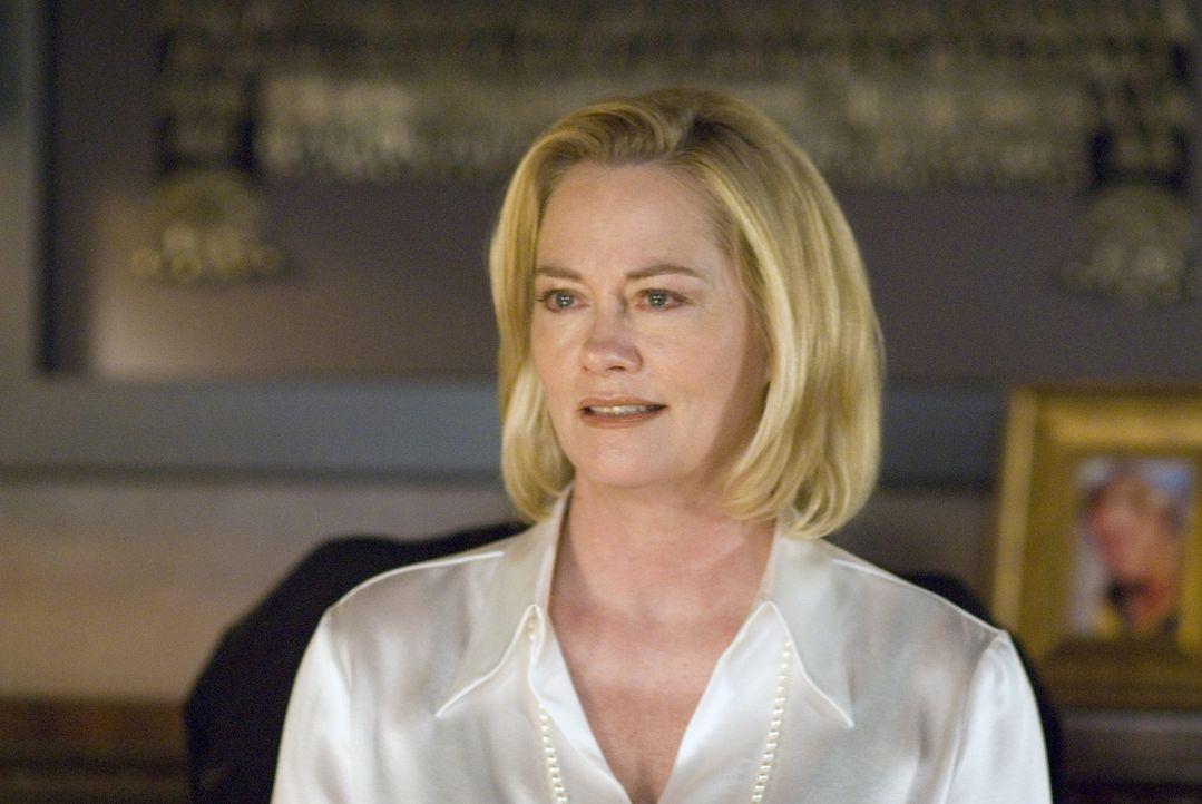 Bette tritt ihre Stelle in der Universität als Dekanin an und wird mit ihrer Chefin Phyllis (Cybill Shepherd) konfrontiert ... - Bildquelle: Metro-Goldwyn-Mayer Studios Inc. All Rights Reserved.