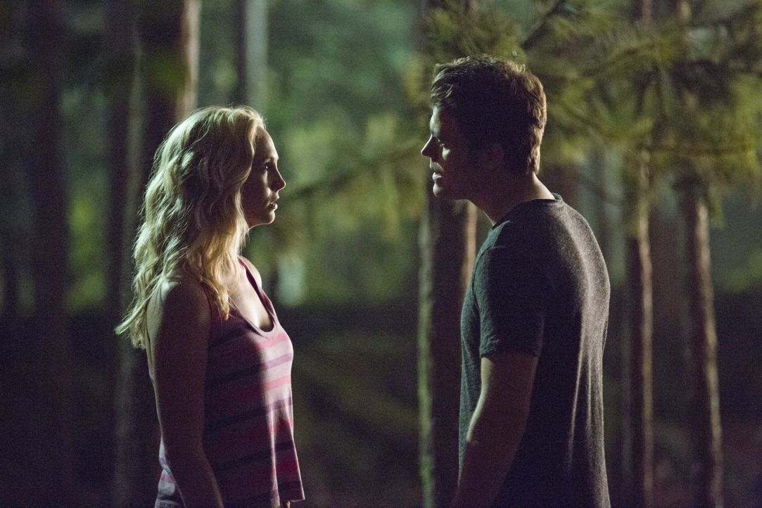 Stefan versucht sich zu entschuldigen - Bildquelle: Warner Bros. Entertainment Inc.