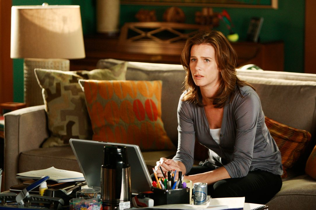 Zweifelt an der Produktivität und Ernsthaftigkeit ihrer Arbeitgeber: Sarah (Rachel Griffiths) ... - Bildquelle: 2008 ABC INC.
