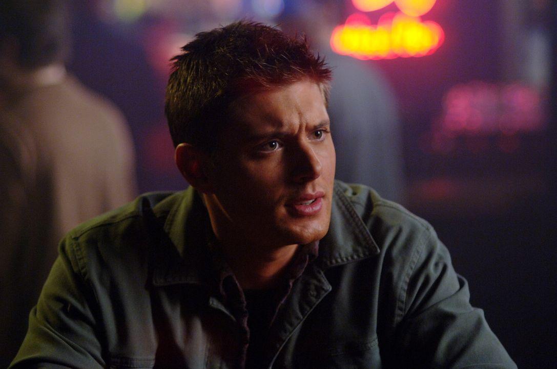 Gemeinsam mit Sam versucht Dean (Jensen Ackles) den tödlichen Schatten zu stoppen ... - Bildquelle: Warner Bros. Television