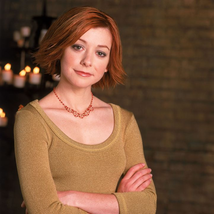 (5. Staffel) - Aus dem einstigen Mauerblümchen wird eine selbstbewusste, junge Frau: Willow (Alyson Hannigan) - Bildquelle: 2000-2001 Twentieth Century Fox Film Corporation. All rights reserved.