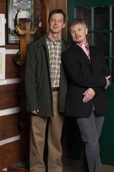 Da Jack (Sean Hayes, l.) seinem Freund Will keinen Gefallen abschlagen kann, lässt er sich auf die Verkupplung mit Stuart (Dave Foley) ein – doch na... - Bildquelle: Chris Haston NBC Enterprises International