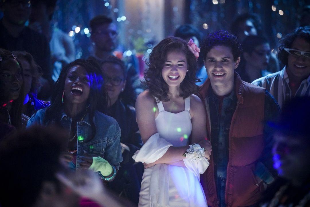 Josie Saltzman (Kaylee Bryant, l.); Landon Kirby (Aria Shahghasemi, r.) - Bildquelle: Jace Downs 2020 Warner Bros Entertainment Inc. All rights reserved. / Jace Downs