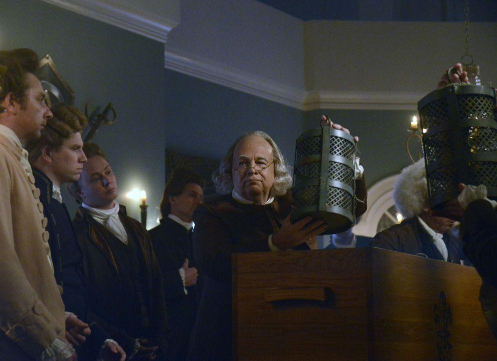 Rückblich in eine längst vergangene Zeit: Benjamin Franklin (Jon W. Sparks, M.) ... - Bildquelle: 2014 Twentieth Century Fox Film Corporation. All rights reserved.