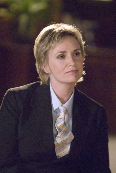 Joyce (Jane Lynch) kann Phyllis bei ihrer Scheidung nicht juristisch vertreten - doch dafür ist sie in ganz anderen Bereichen für sie da... - Bildquelle: Metro-Goldwyn-Mayer Studios Inc. All Rights Reserved.