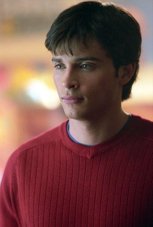 Schnell wird Clark (Tom Welling) bewusst, dass Eric und seine Freunde sich mit Hilfe der gestohlenen Kryptonitbarren nun auch Superkräfte verschaffe... - Bildquelle: Warner Bros.