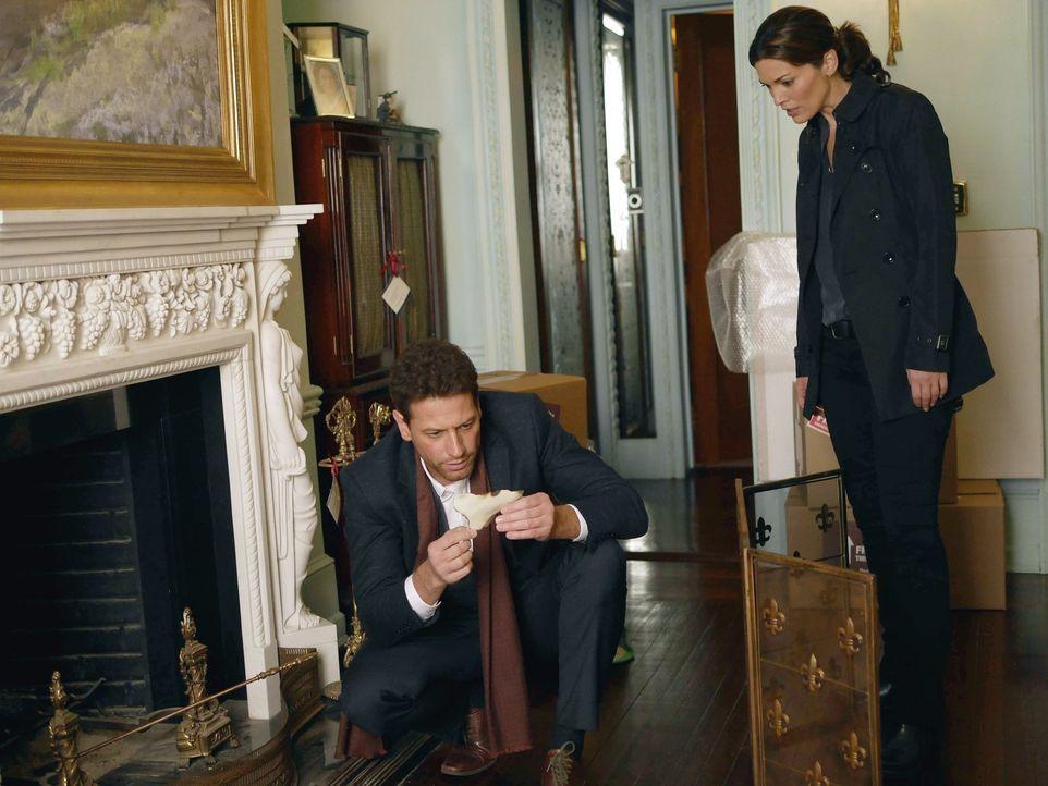 Dr. Henry Morgan (Ioan Gruffudd, l.) und Detective Jo Martinez (Alana de la Garza, r.) auf Mörderjagd ... - Bildquelle: Warner Brothers