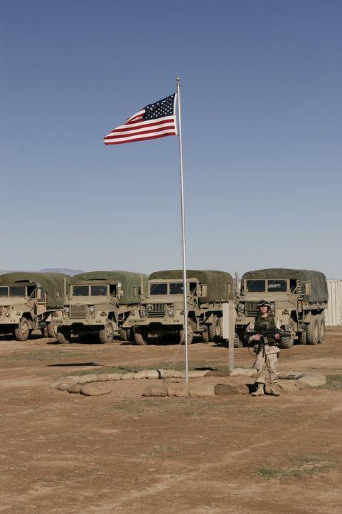 Ein amerikanischer Stützpunkt im Irak ... - Bildquelle: WARNER BROS