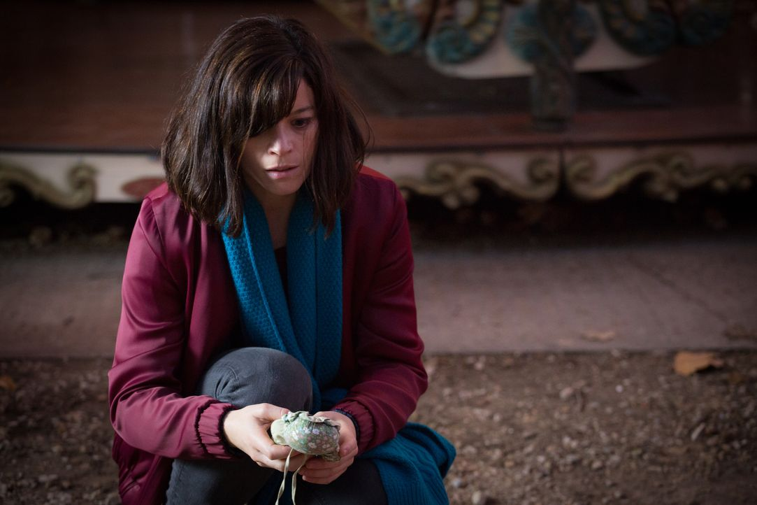 Ein Junge wird auf einem Rummelplatz direkt vor Adèles (Juliette Roudet) Augen entführt ... - Bildquelle: Eloïse Legay 2016 BEAUBOURG AUDIOVISUEL